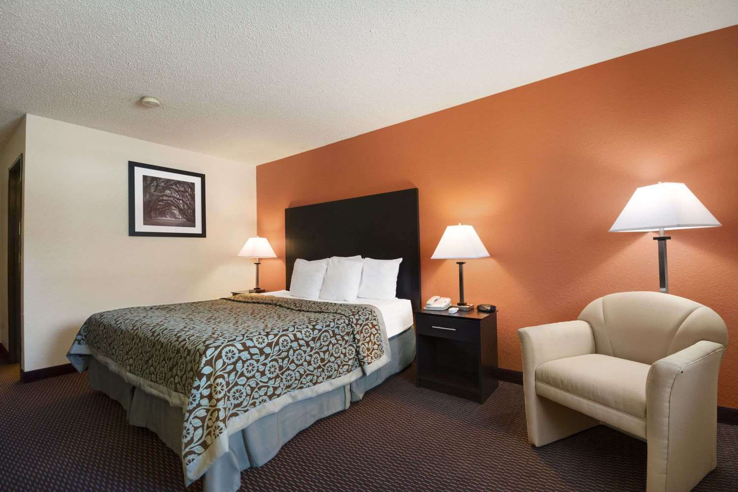Room - Days Inn Greenwood