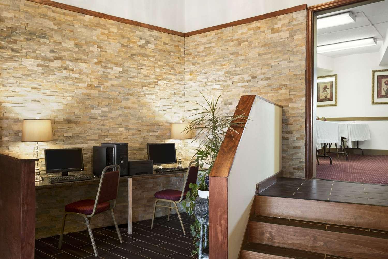 Lobby - Days Inn New Stanton