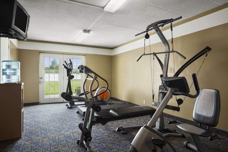 Fitness/ Exercise Room - Days Inn New Stanton