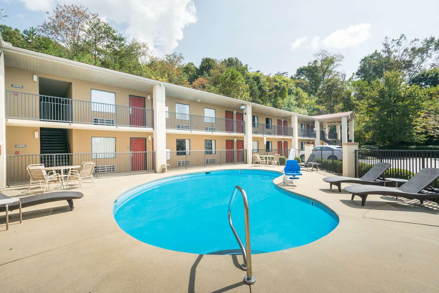 Pool - Days Inn North Asheville