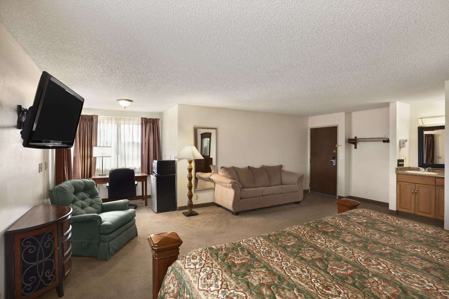 Suite - Days Inn Billings