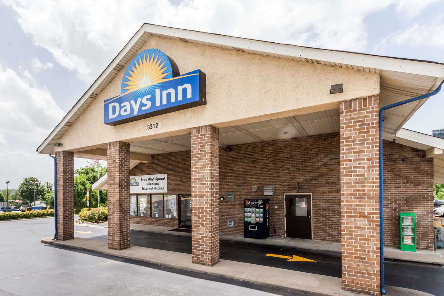 Exterior view - Days Inn Opryland North Nashville
