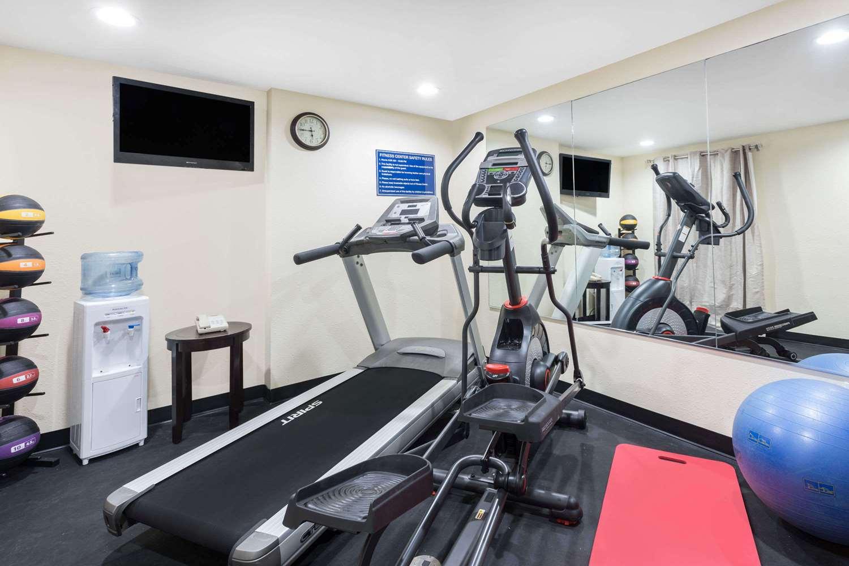 Fitness/ Exercise Room - Days Inn Newberry