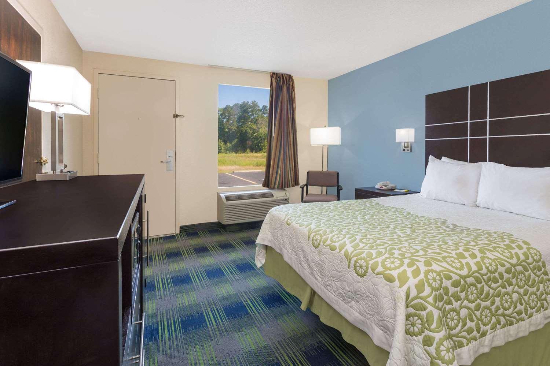 Room - Days Inn Newberry