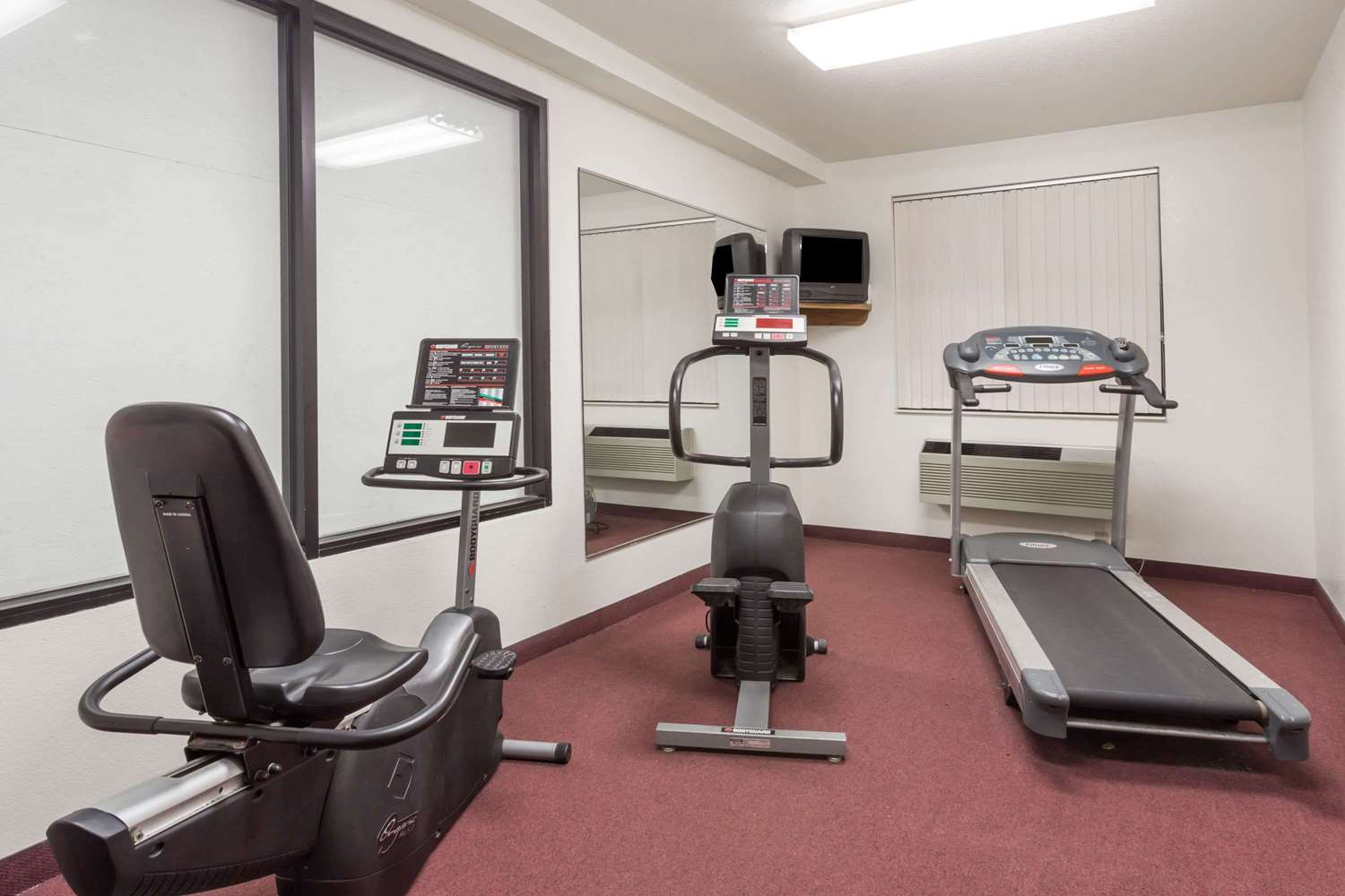 Fitness/ Exercise Room - Super 8 Hotel Prince Frederick