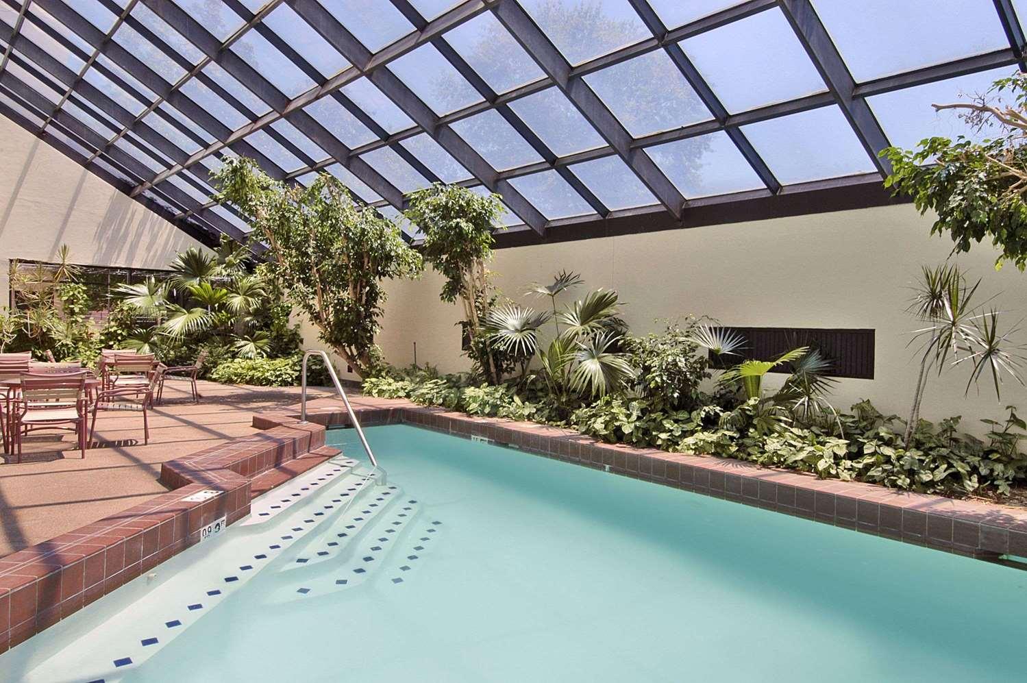 Ramada Hotel Amp Conference Center Augusta Ga See Discounts