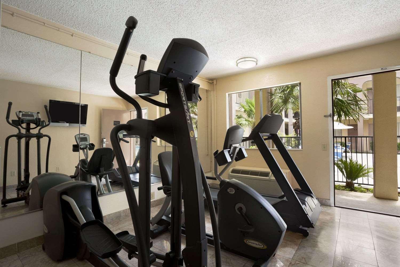 Fitness/ Exercise Room - Days Inn Texas Stadium Irving