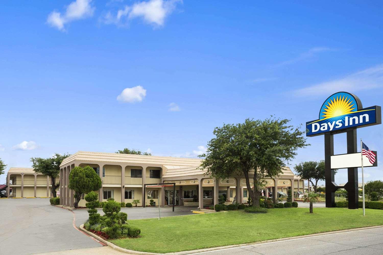 Exterior view - Days Inn Texas Stadium Irving