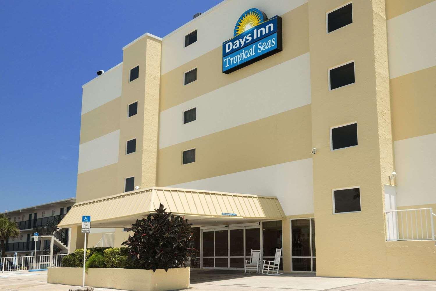 Exterior view - Days Inn Oceanfront Daytona Beach Shores