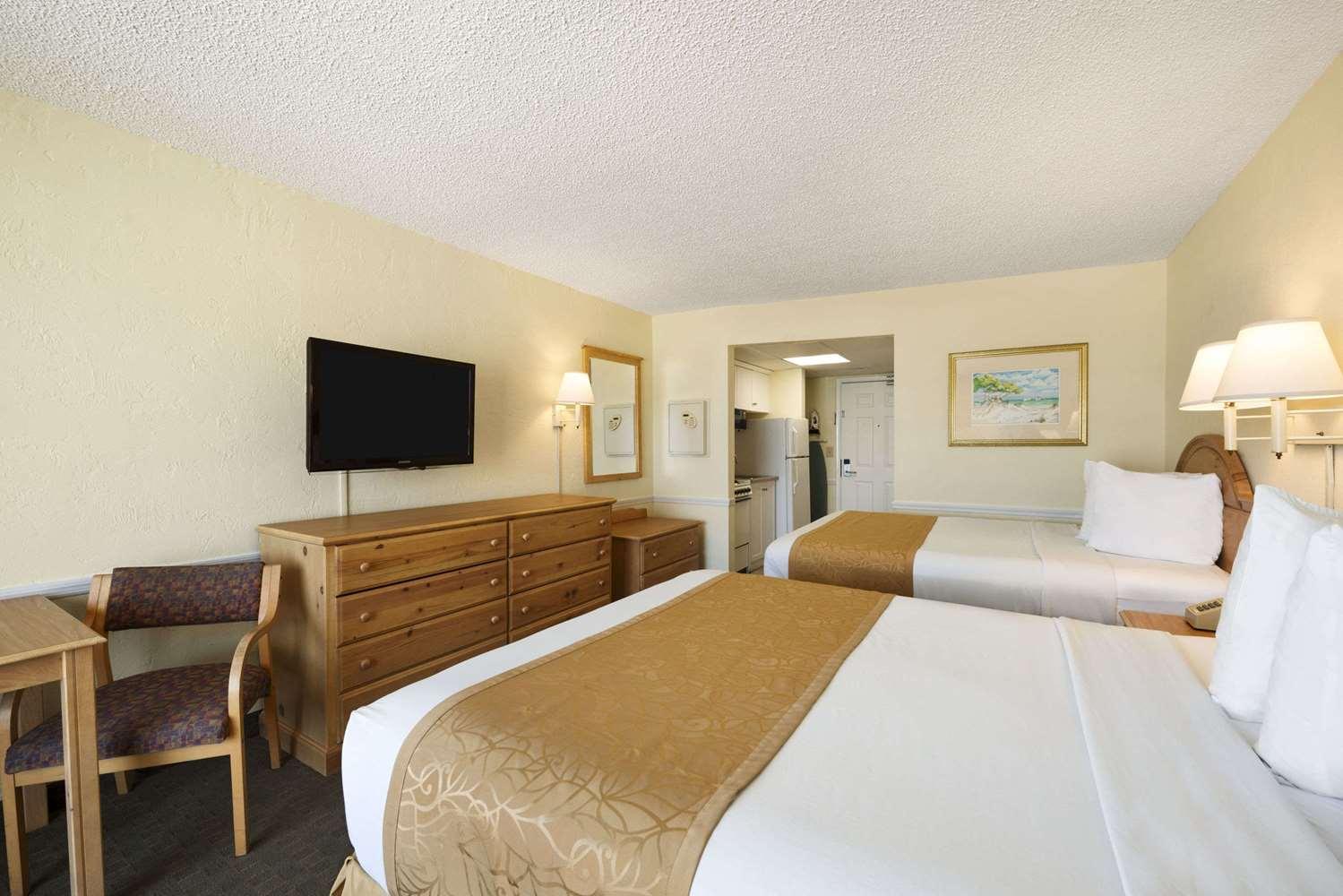 Suite - Days Inn Oceanfront Daytona Beach Shores