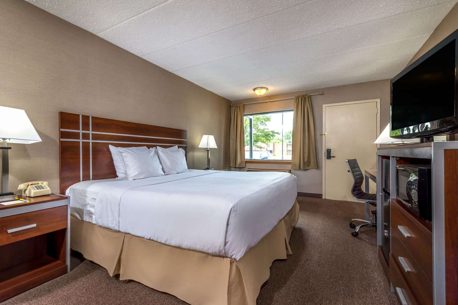 Room - Days Inn Vineland