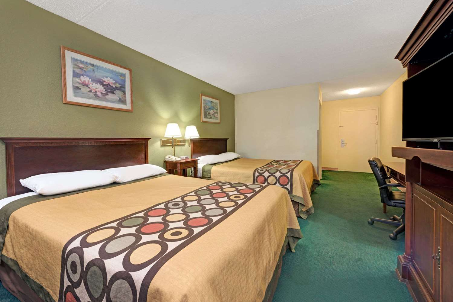 Room - Super 8 Hotel South Indianapolis