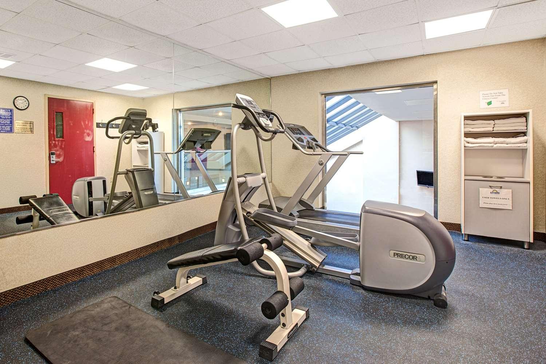 Fitness/ Exercise Room - Days Inn Parsippany