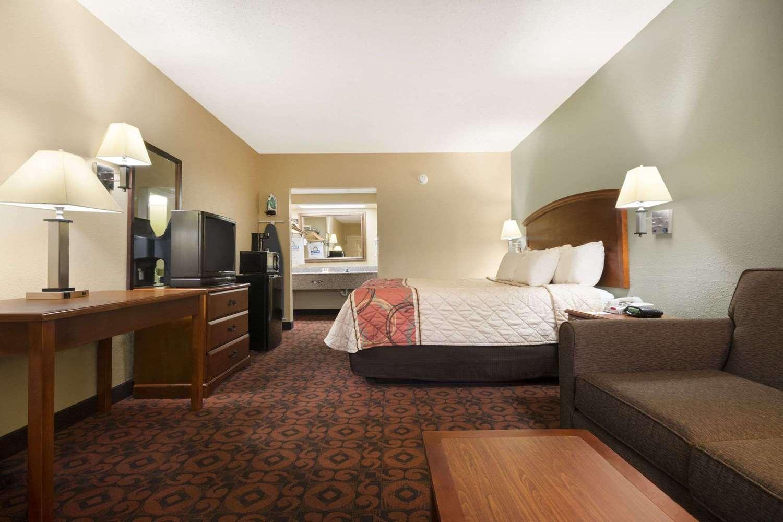 Room - Days Inn Roanoke Rapids Road Weldon