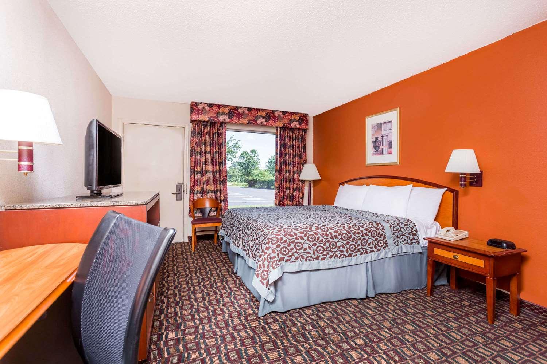 Room - Days Inn Wheeler Road Augusta
