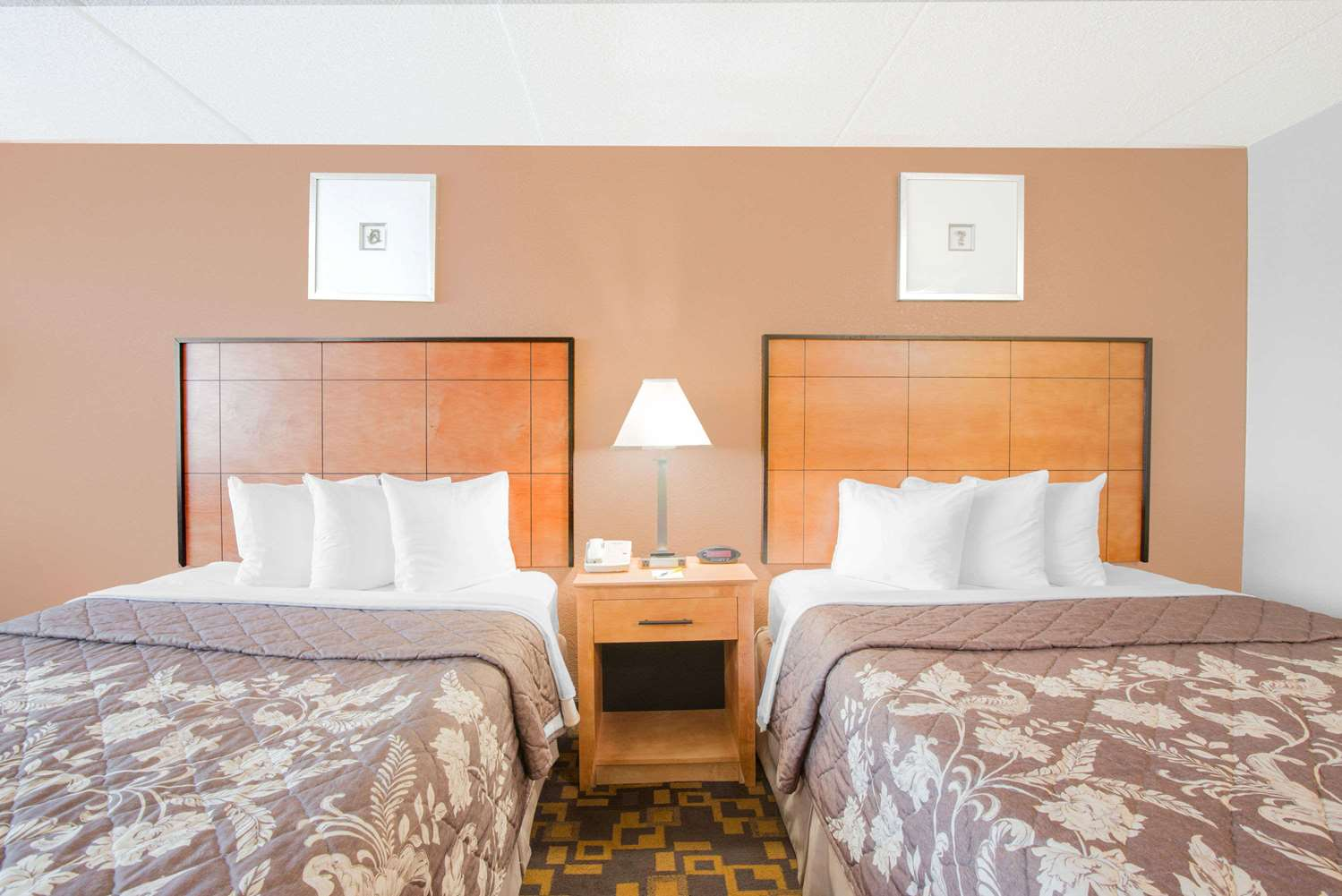 Room - Days Inn Gettysburg
