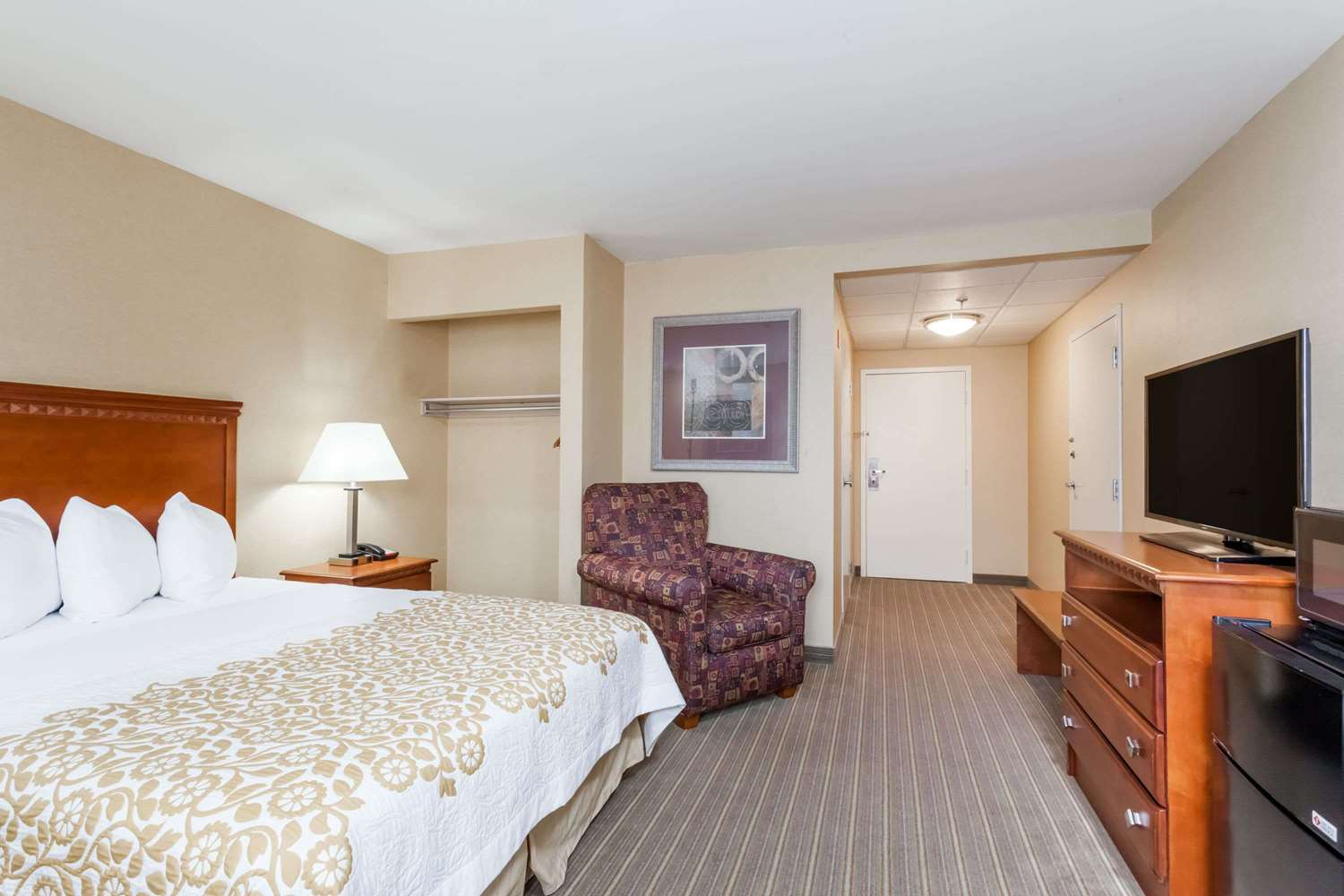 Bradley Airport Hotels Park And Fly