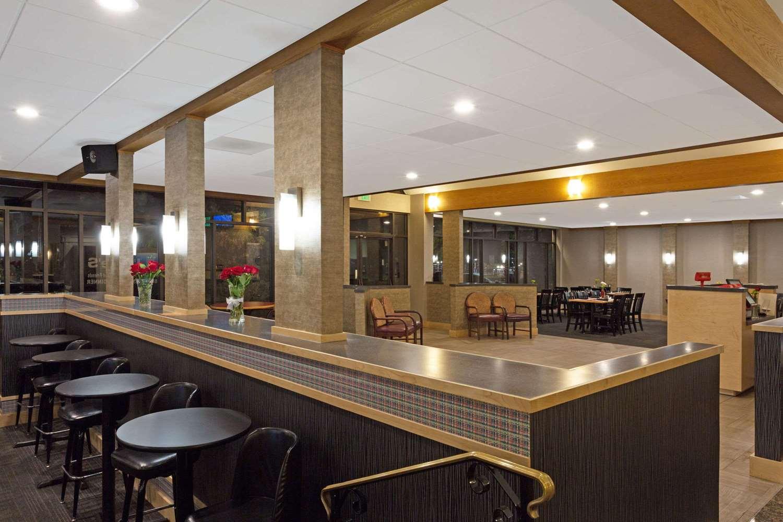 Restaurant - Days Inn Lanham