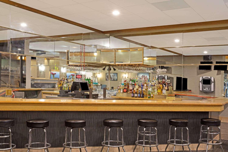 Bar - Days Inn Lanham