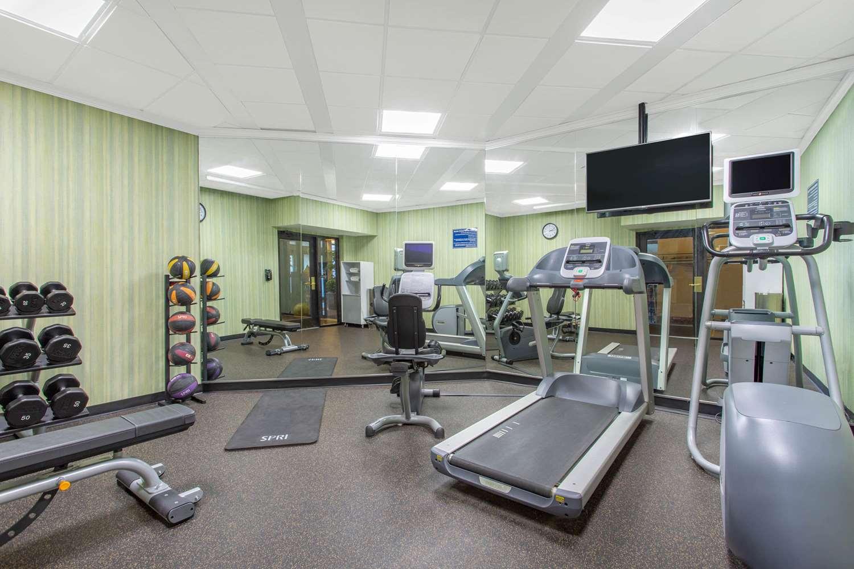 Fitness/ Exercise Room - Days Inn Lanham