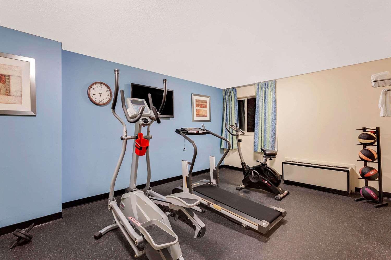 Fitness/ Exercise Room - Days Inn Shrewsbury