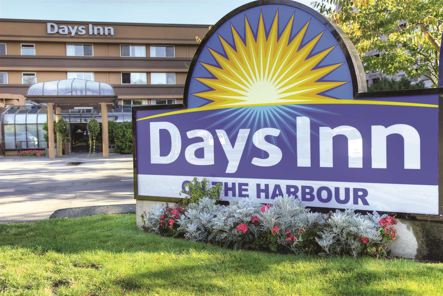 Exterior view - Days Inn Victoria on the Harbour