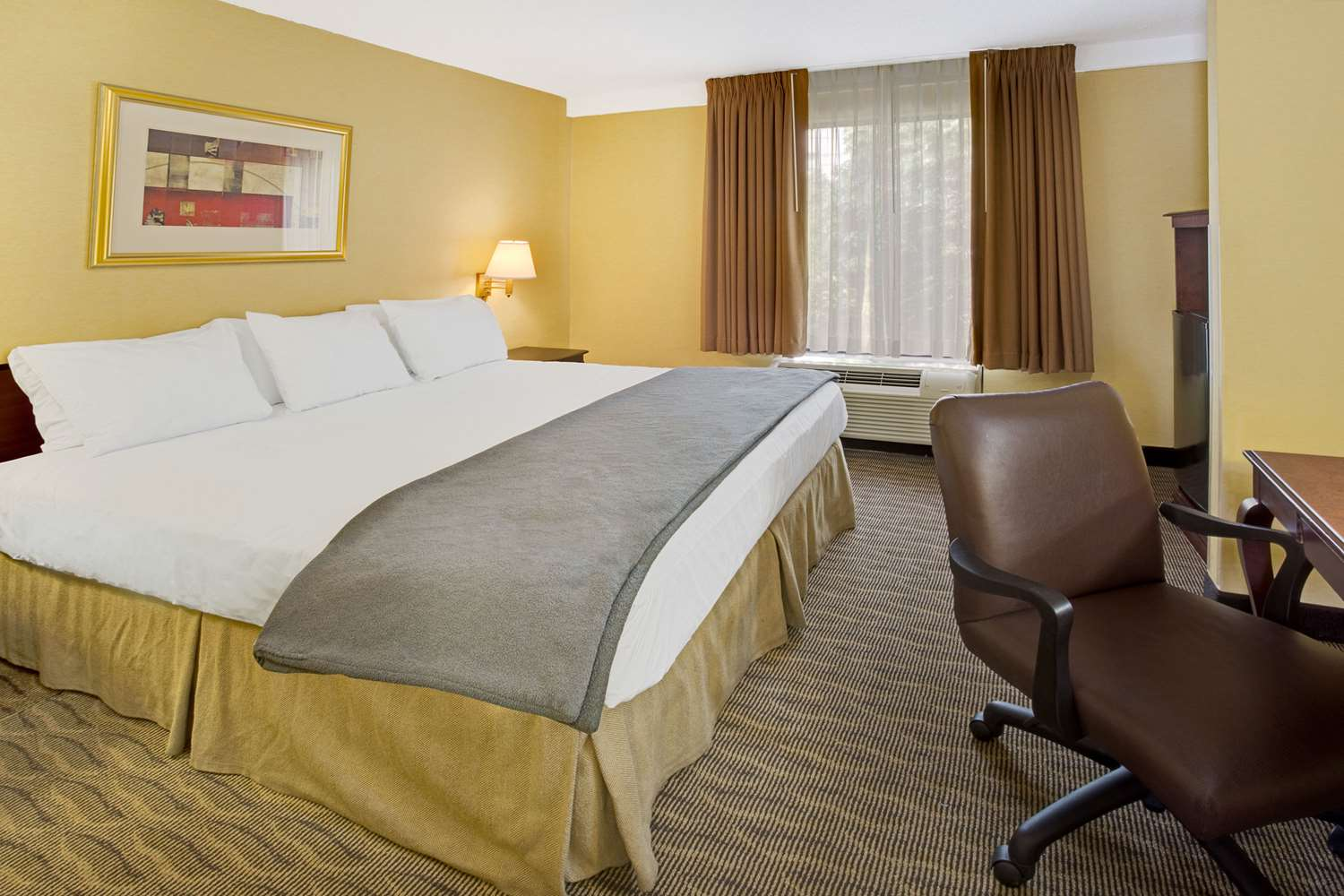 Suite - Days Inn Silver Spring