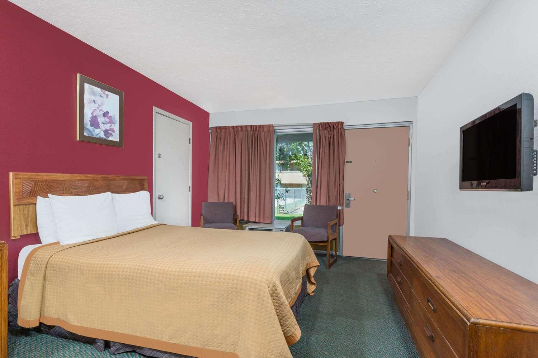 Room - Days Inn Mt Sterling
