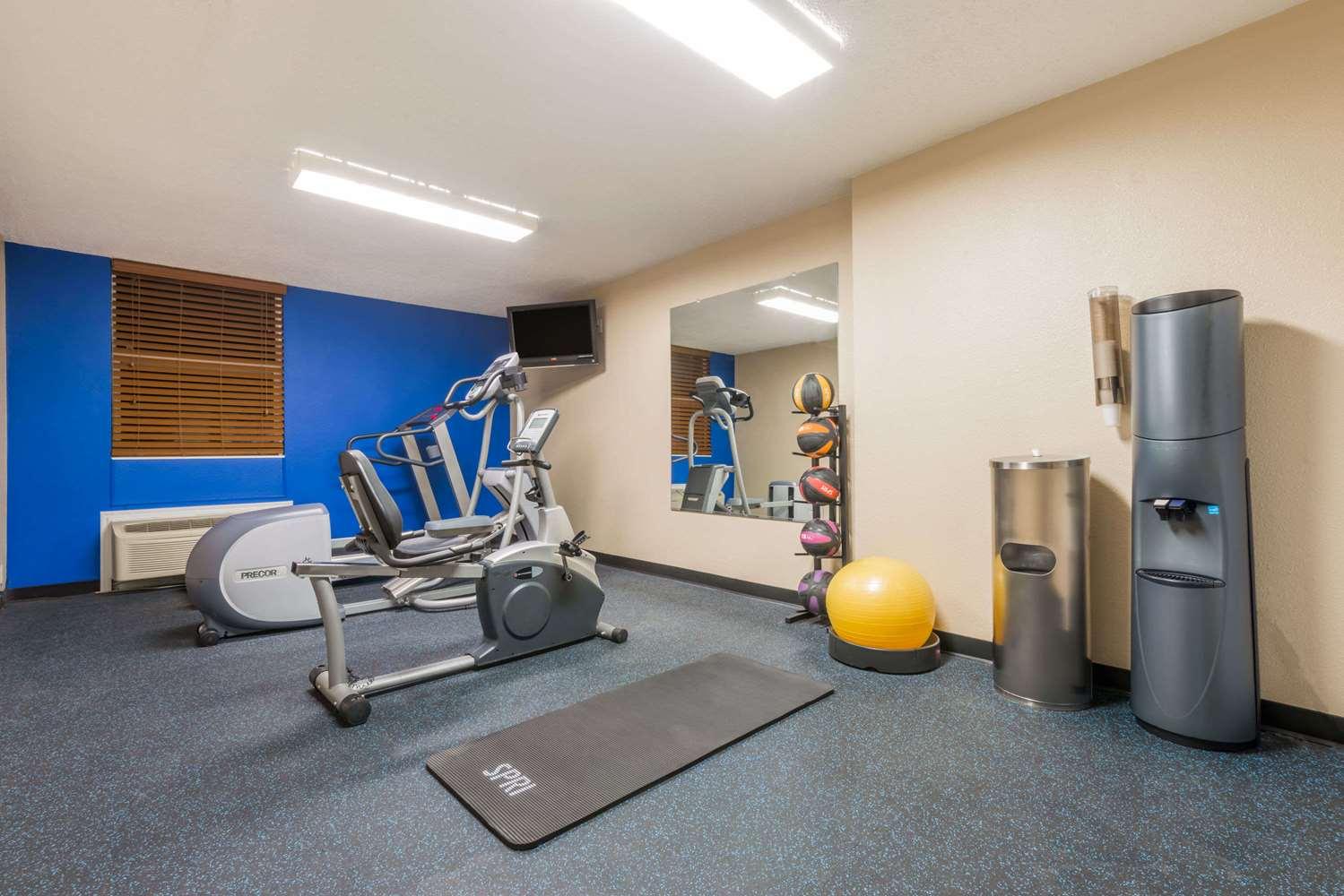 Fitness/ Exercise Room - Days Inn Gillette