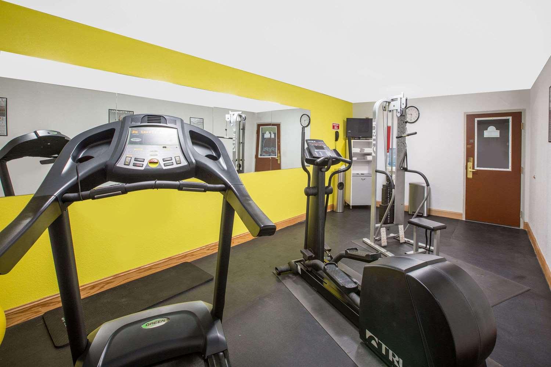 Fitness/ Exercise Room - Days Inn Grand Island