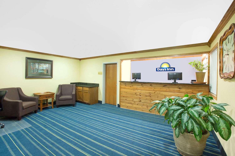 Lobby - Days Inn Grand Island