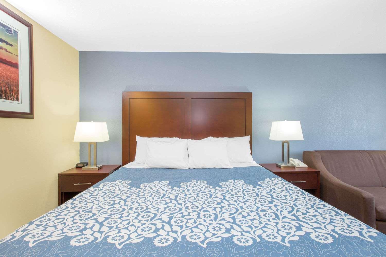 Room - Days Inn Grand Island