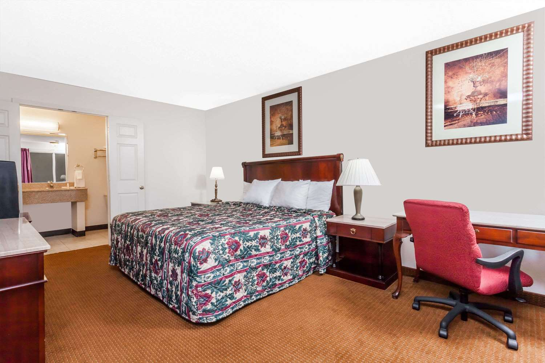Suite - Days Inn Owensboro