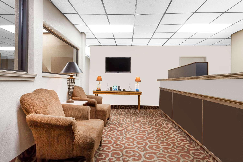 Lobby - Days Inn Owensboro