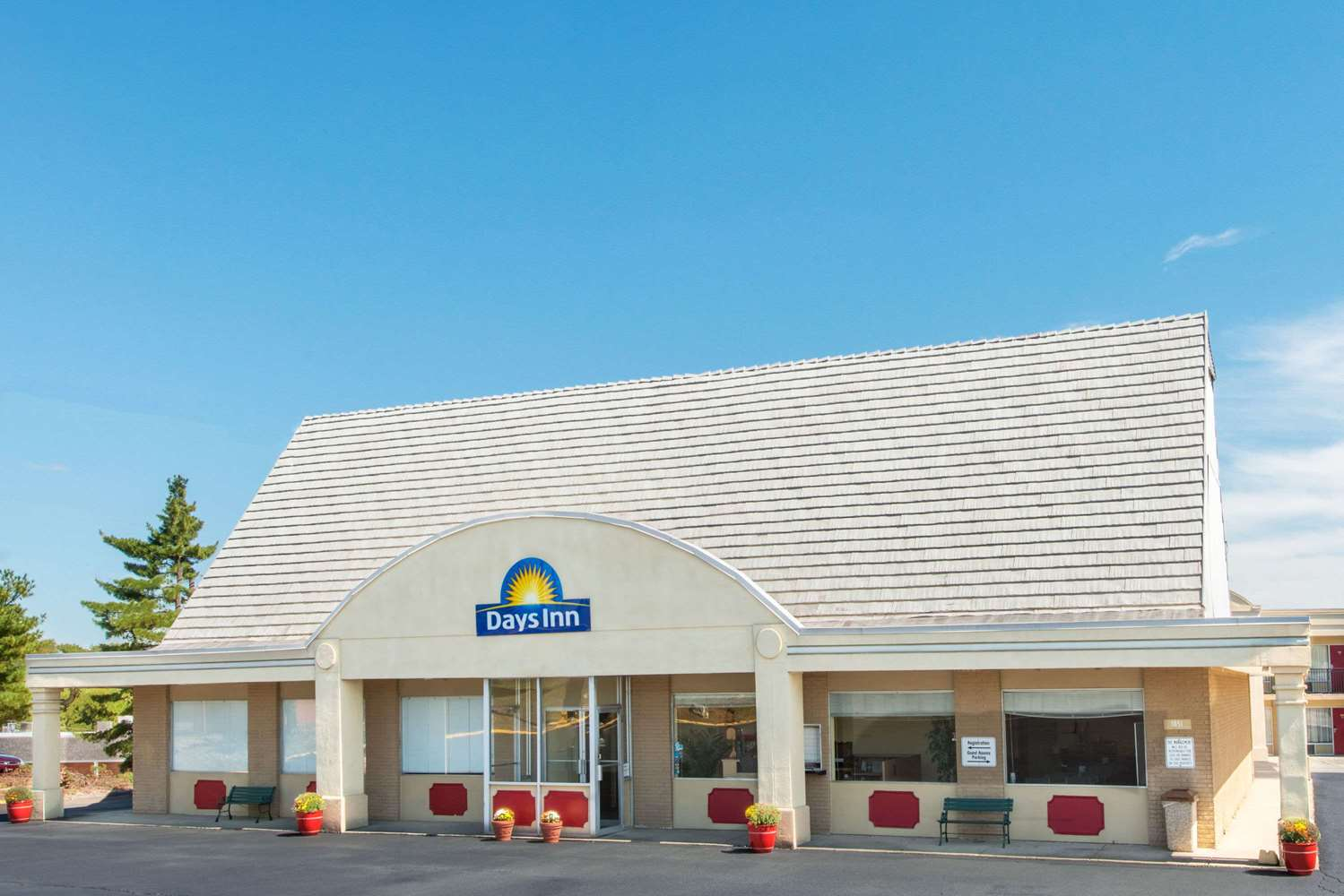 Exterior view - Days Inn Frankfort