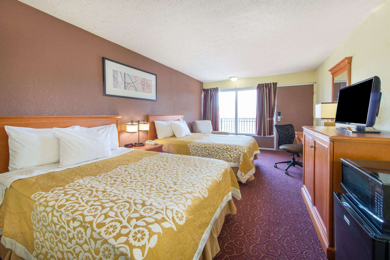 Room - Days Inn Frankfort