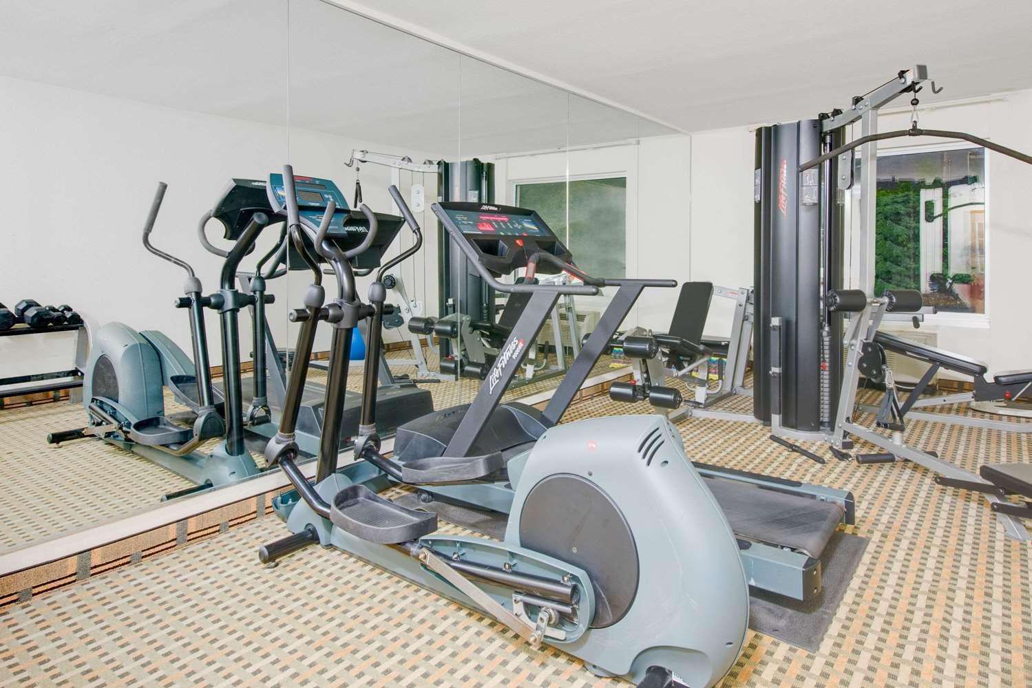 Fitness/ Exercise Room - Days Inn New Cumberland