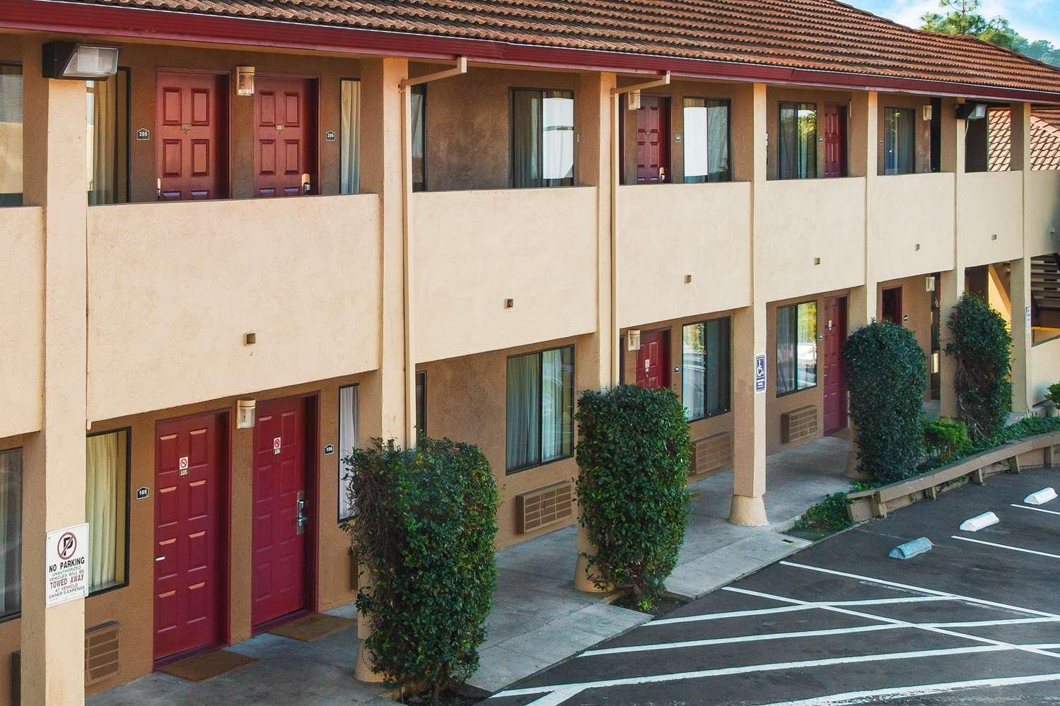 Exterior view - Days Inn Pinole