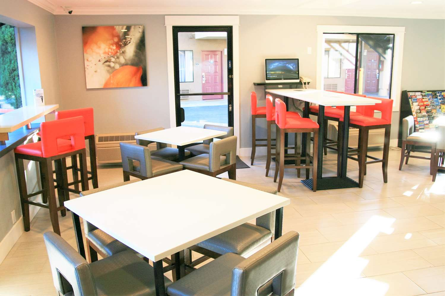 Restaurant - Days Inn Pinole