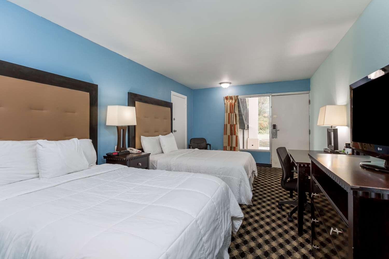 Room - Days Inn Salisbury
