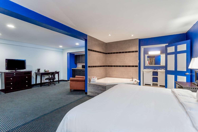 Suite - Days Inn Salisbury