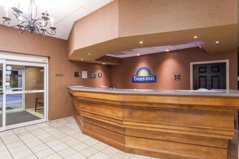 Lobby - Days Inn Hershey