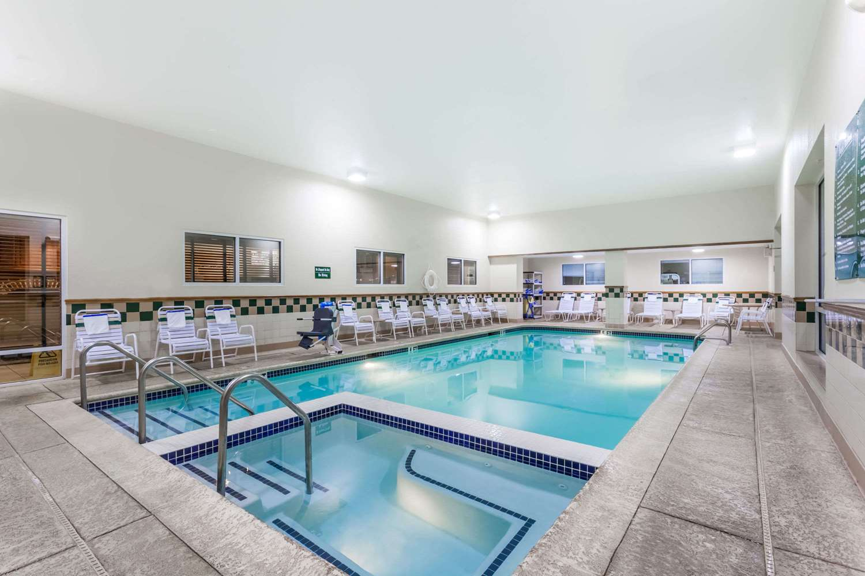 Pool - Days Inn Hershey