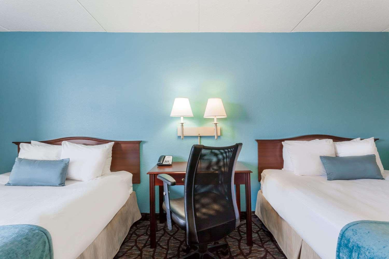 Room - Days Inn Hershey