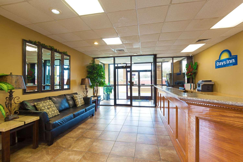 Lobby - Days Inn Lafayette