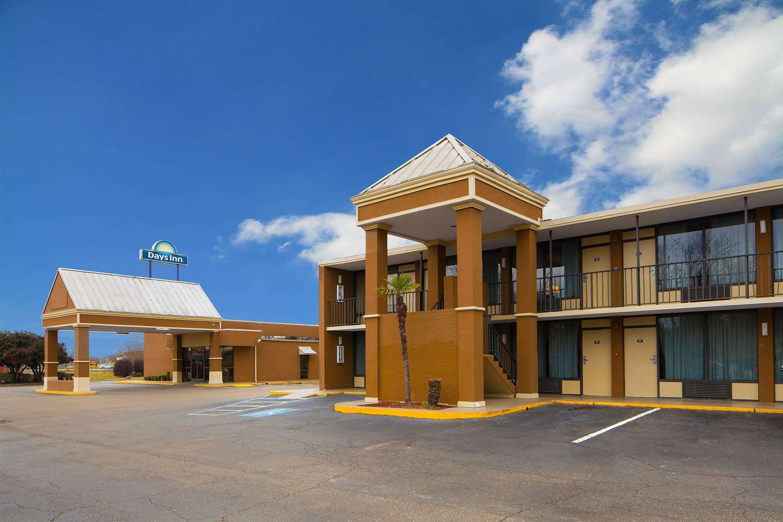 Exterior view - Days Inn Lafayette