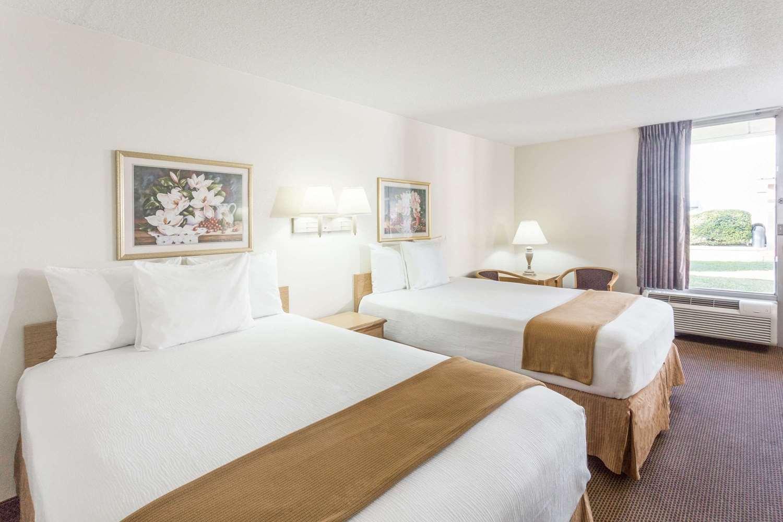 Room - Days Inn I-75 Adel