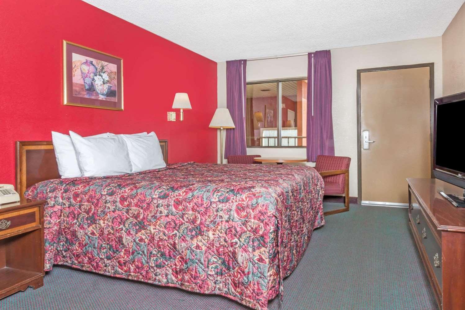Room - Days Inn Battlefield New Market