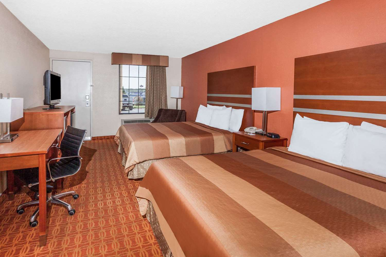 Room - Days Inn Dalton