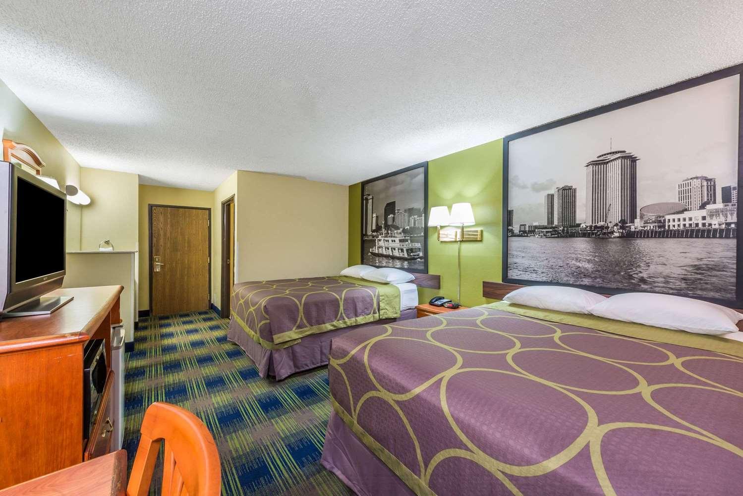 Room - Super 8 Hotel Sulphur